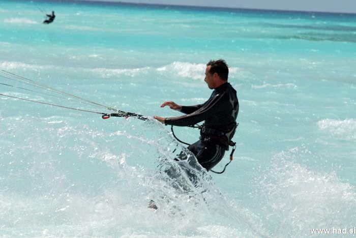rosignano-marittimo-kitesurfing-photos-14.jpg