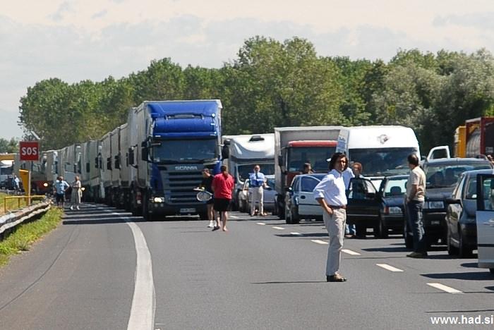 fotografije-nesrece-na-avtocesti-02.jpg