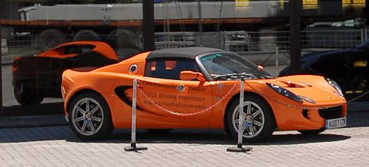 lotus-elise-photos-02.jpg