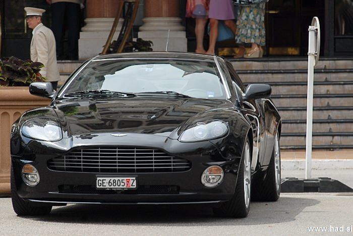 james-bond-monte-carlo-ferrari-maserrati-aston-martin-bentley-photos-12.jpg