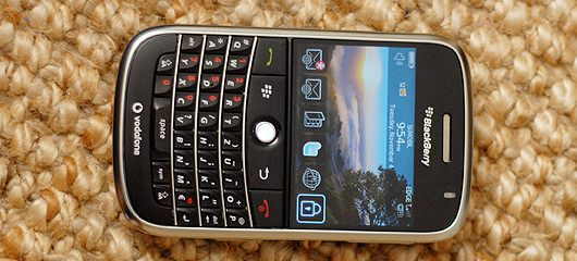 unboxing-blackberry-bold-photos-07.jpg