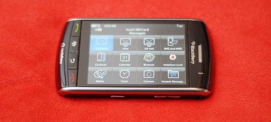 touch-phone-blackberry-storm-fotografije-01