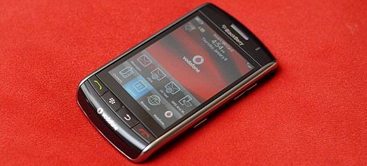 touch-phone-blackberry-storm-fotografije-02