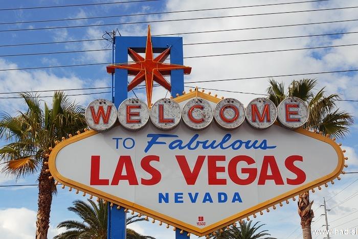 welcome to las vegas sign photos 02