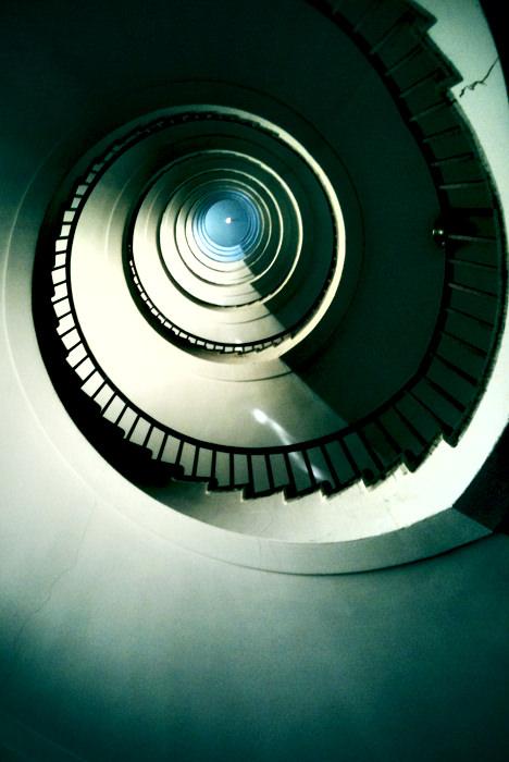 neboticnik_stopnice01