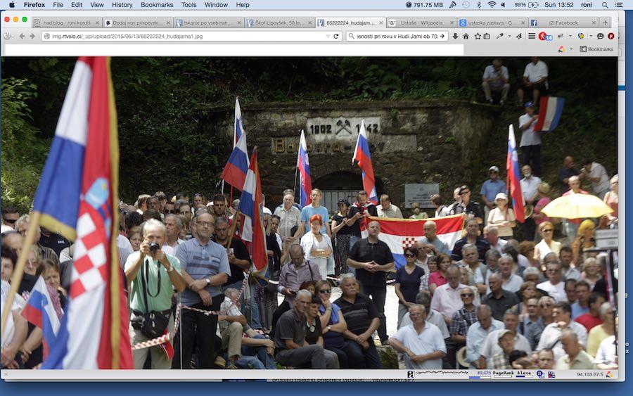 V ospredju CRO zastava, v ozadju ustaška zastava