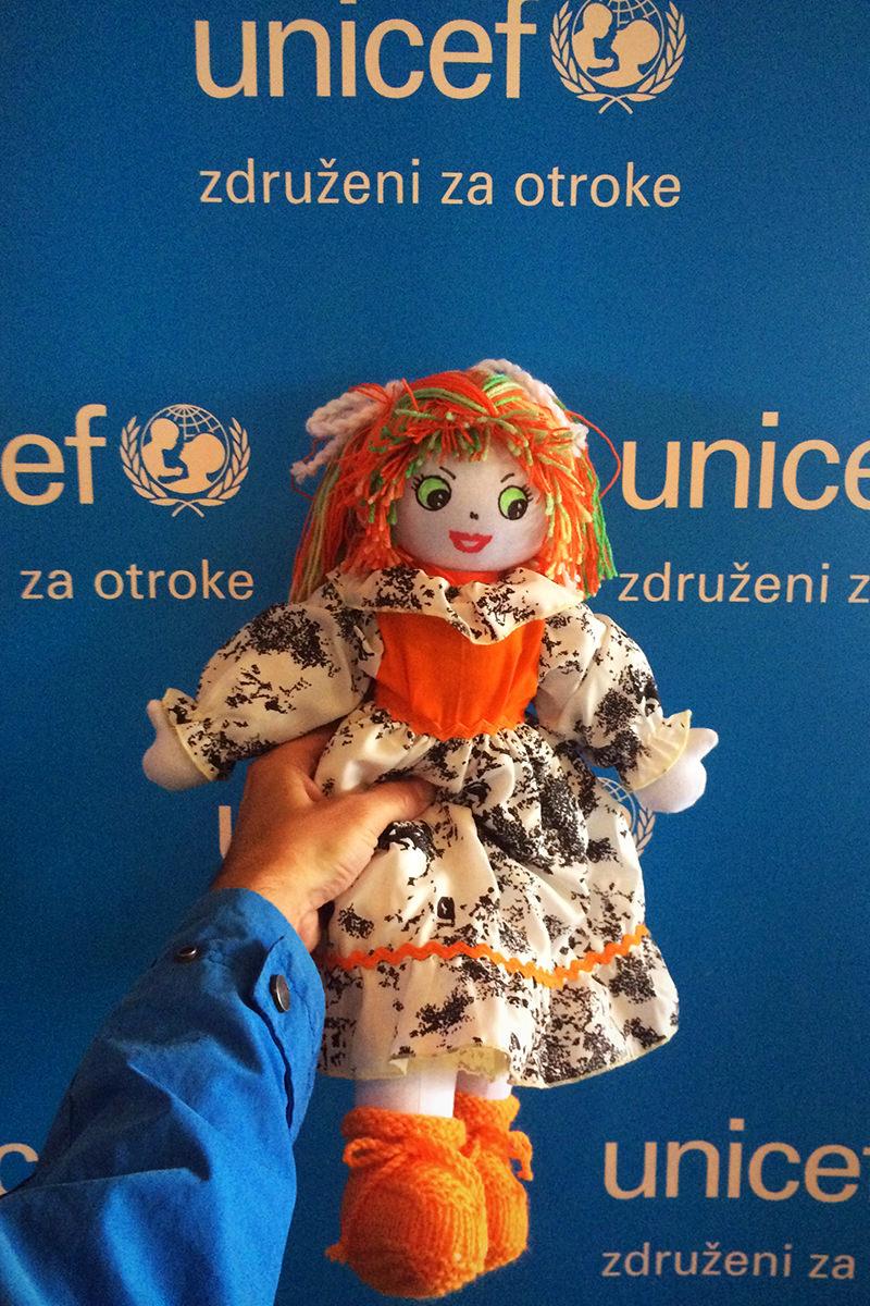 Unicef / Posvoji punčko iz cunj