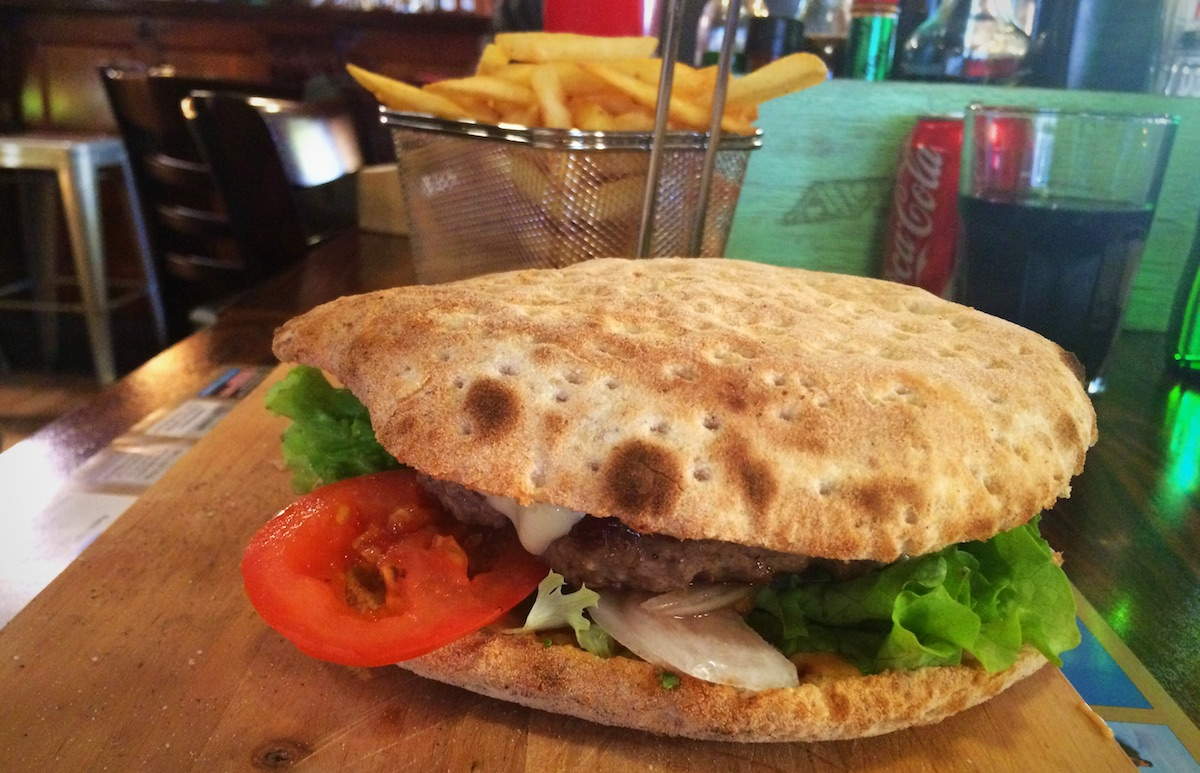 avio_pub_burger