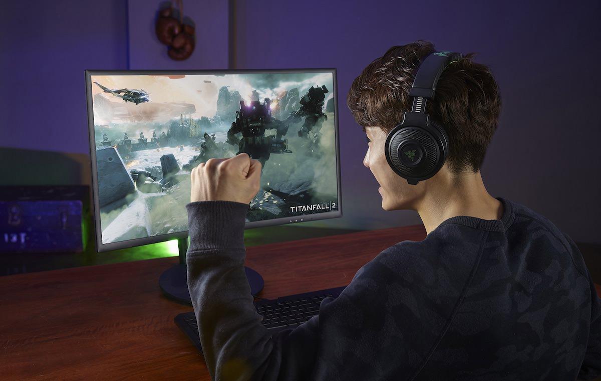 slika-2_ukrivljen-zaslon-samsung-cfg70-za-igre