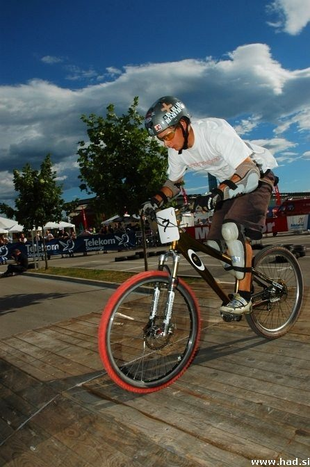 4x bike fight Ljubljana 10