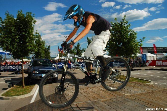 4x bike fight Ljubljana 1