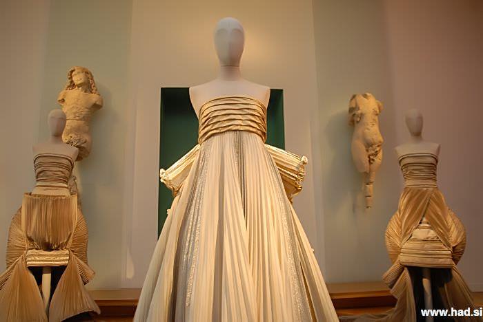 roberto-capucci-a-fashion-sculpture-03.jpg