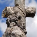 Križ na pokopališču 14