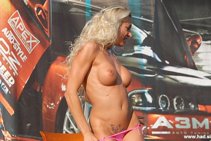 striptiz naja slike 06 Naja, striptiz in fotografije