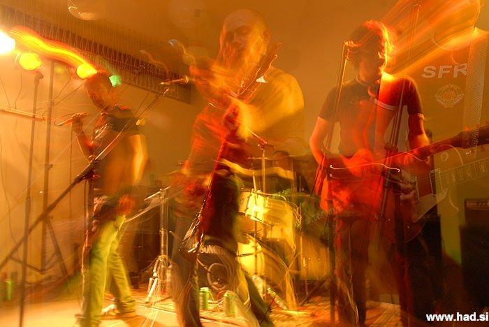 skupina-niet-koncert-trbovlje-fotografije-18.jpg