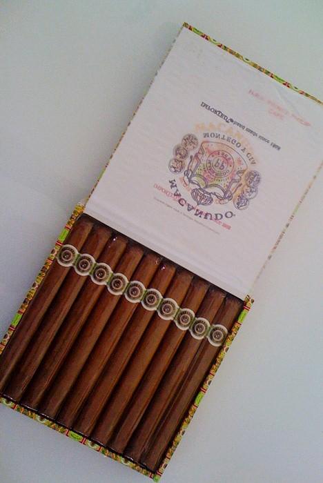 Kubanske cigare online nakup preko je for Buro express