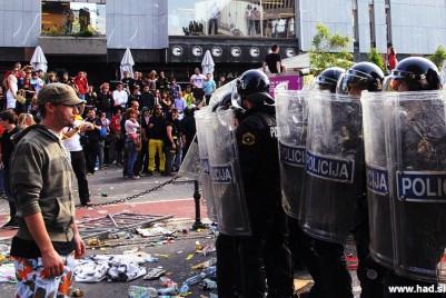 Študentske demonstracije v Ljubljani so se kot bumerang vrnile organizatorjem fotografije