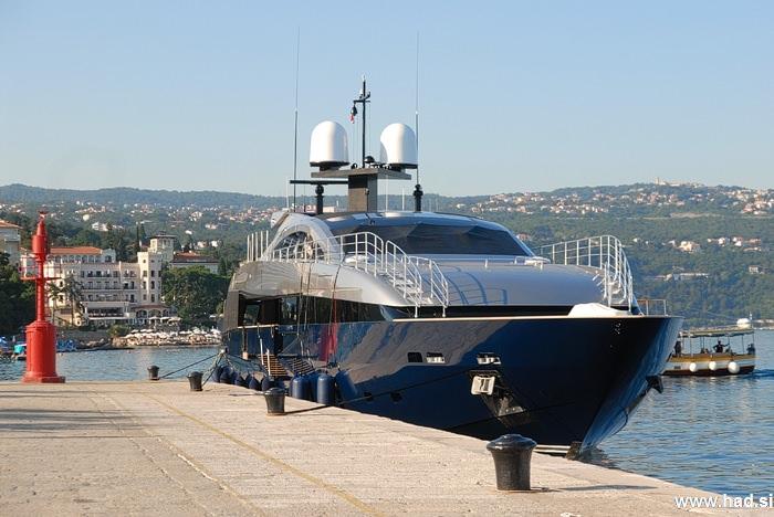 Lucky Me Yacht   Cantieri Navali Baglietto   nisem jaz tak srečnež! fotografije