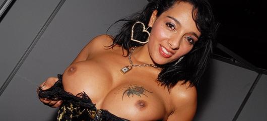 loona luxx sejem erotike fotografije 11 Sejem Erotike 2010   Erotika 69   Celje, 10.   12. december   NSFW