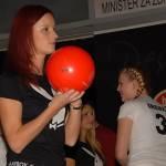 Klara Rozina - Playboyevo dekle, potrebuje TVOJO pomoč! 1