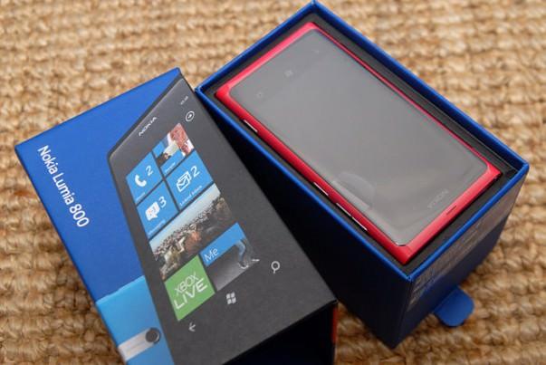 Nokia Lumia 800   unboxing   fotografije fotografije