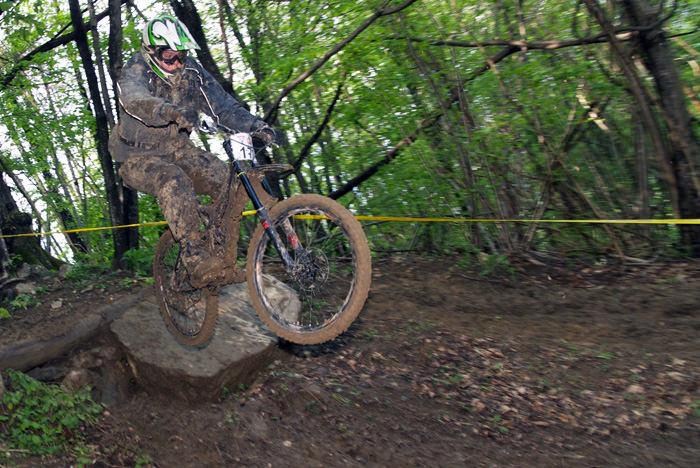 Downhill Avče   blatne fotografije  fotografije