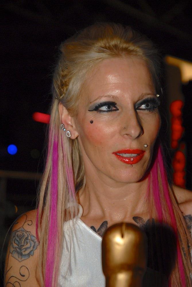 Erotika 69 tarra white live show ii 4