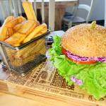 Burger Time in njihov veganski burger Burger Slowly3