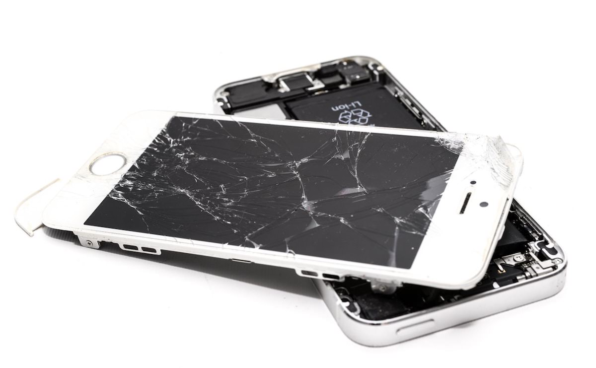 Menjava in popravilo stekla na pametnem telefonu
