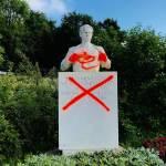 Kreteni v Ljubljani z grafiti oskrunili vrsto spomenikov