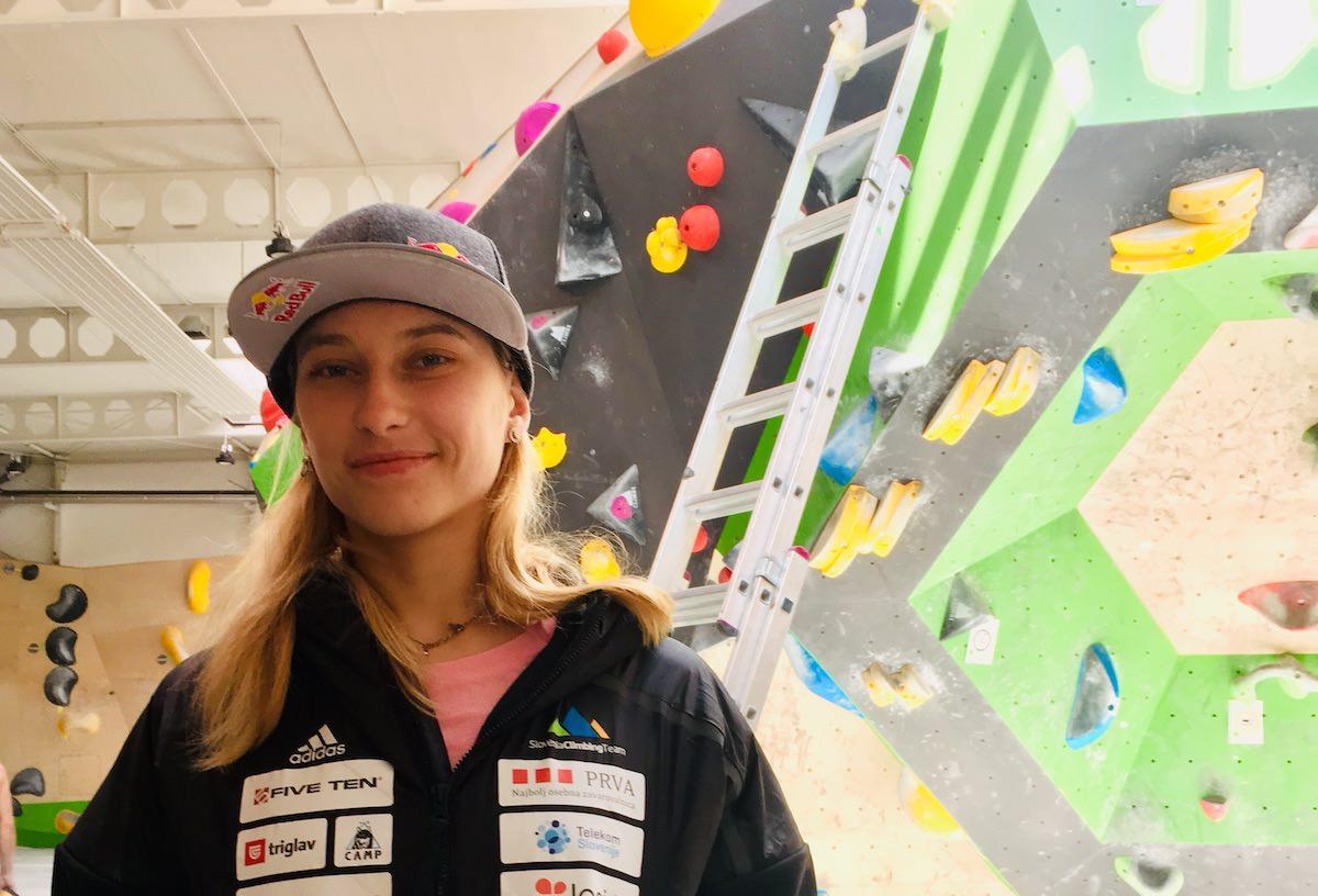 Janja Garnbret zmagovalka svetovnega prvenstva v balvanskem plezanju