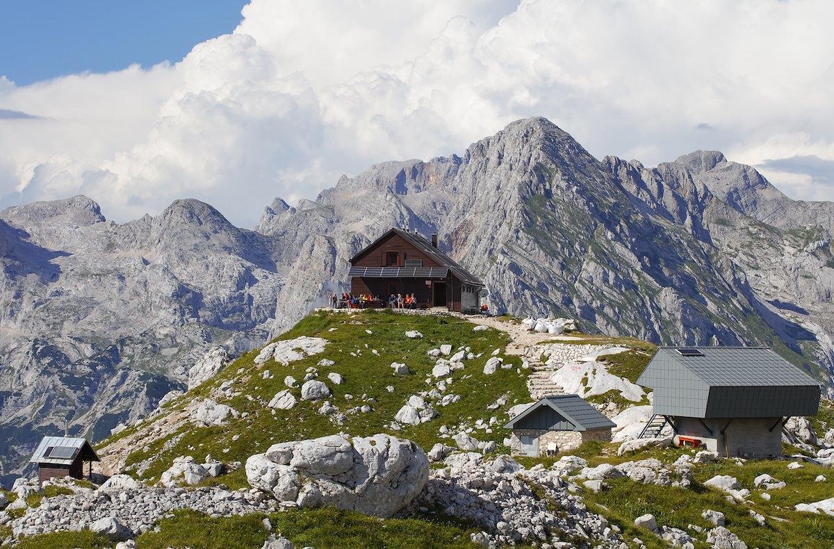 Naj planinska koca 2019 je Dom na Kofcah Naj visokogorska planinska koca 2019 je Zasavska koca na Prehodavcih