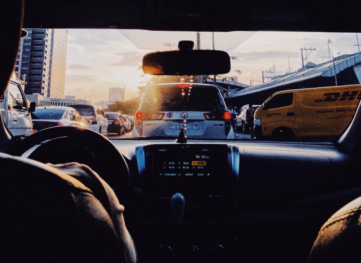 Ideja cas izgubljen v zastojih na nasih avtocestah bi nam lahko steli v pokojninsko dobo