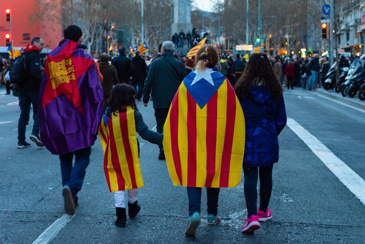 Nasilje policije nad protestniki v Spaniji a to je ta demokracija