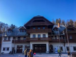 Svicarija v Tivoliju kam na nedeljsko kosilo v Ljubljani4