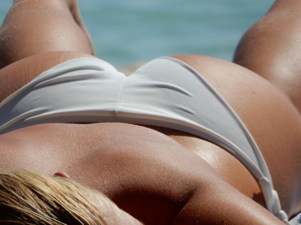 Helena Blagne zgoraj brez Helene Blagne ni pokazala golih prsi le brez licil je na fotografijah 1