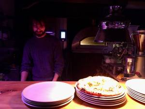 Pizzeria Noro Koper najboljsa pizza v Sloveniji had testira pizze ocena 502