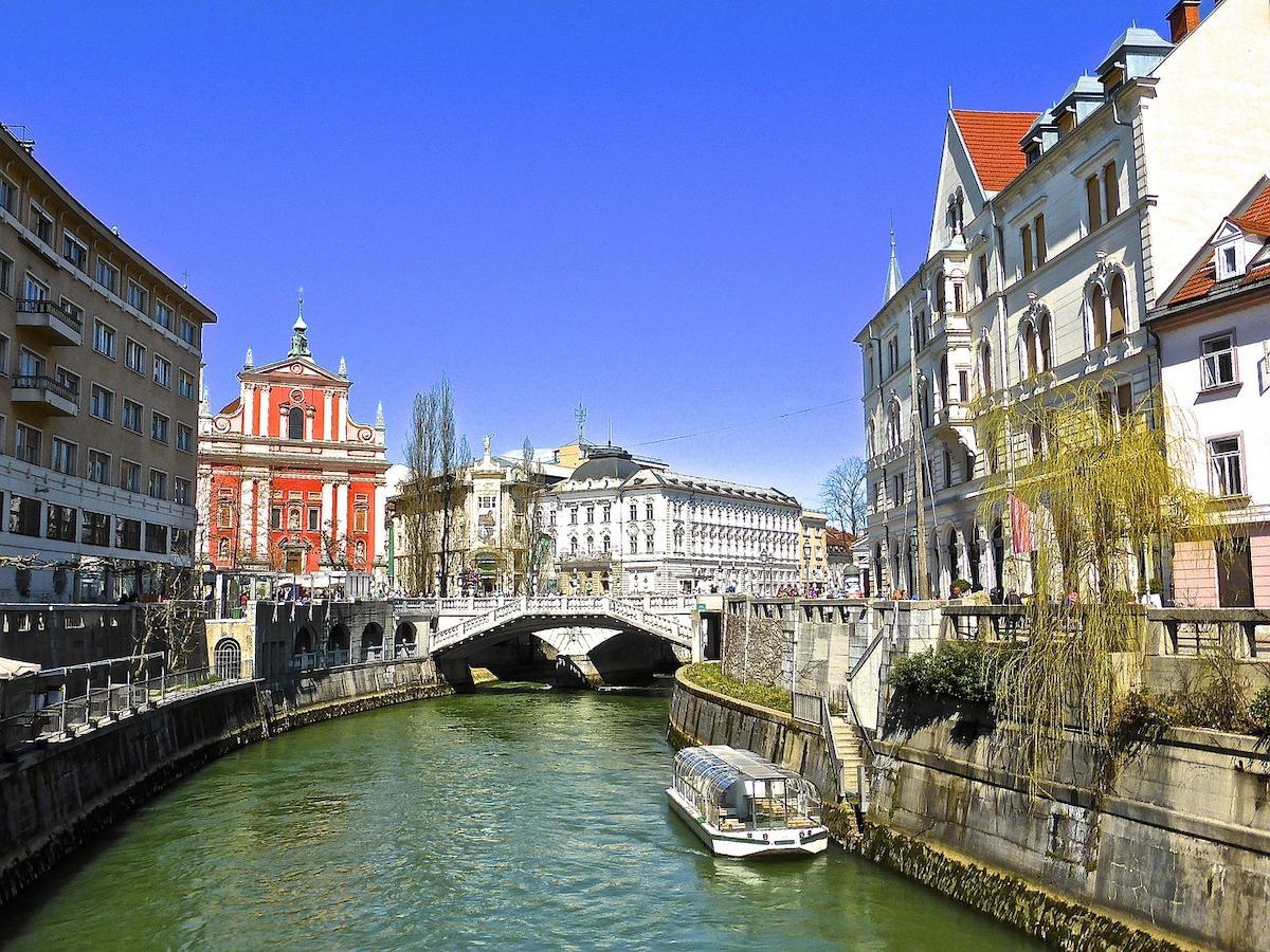 Ljubljana v casu koronavirusa sprejeti ukrepi ob koronavirusu