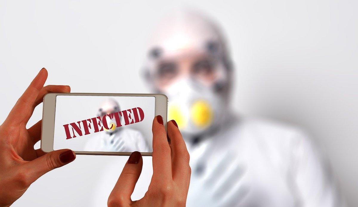 Teoretiki zarot ze dolgo opozarjajo da nam je vlada prikrivala koronavirus