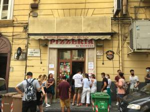 Najboljsa pizza na svetu L'Antica Pizzeria da Michele Neapelj had testira pizze ocena 502