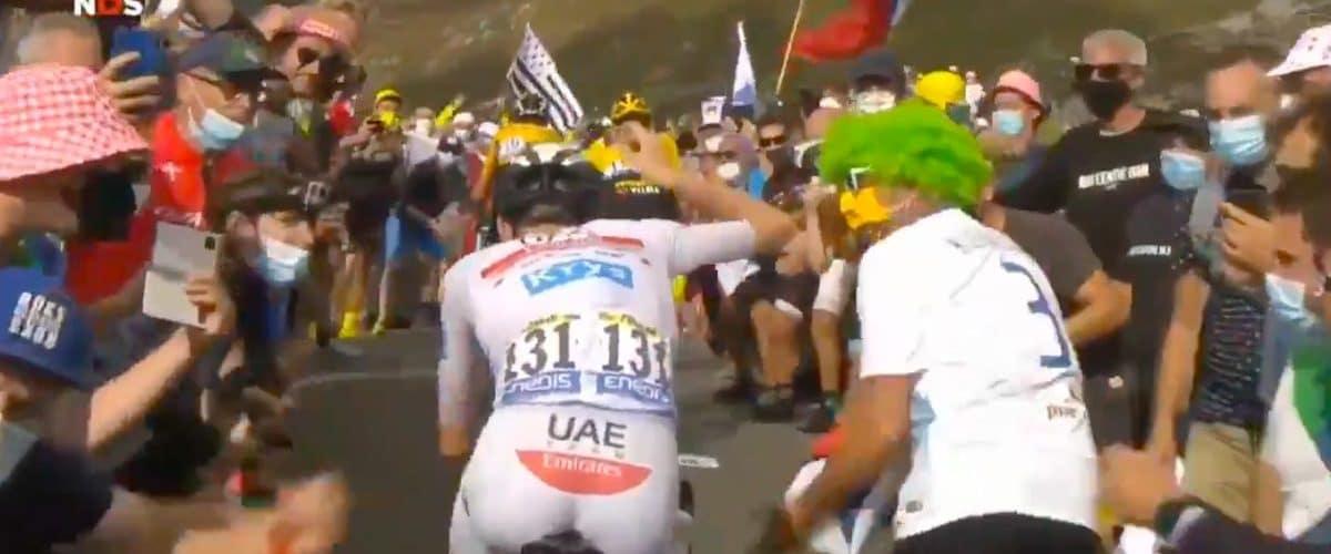 Zakaj na Tour de France navijaci skacejo pred kolesarje in motijo kolesarje